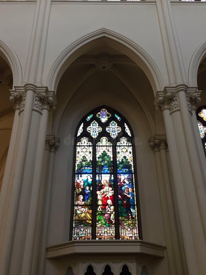 大教堂彩色玻璃 免版税库存照片