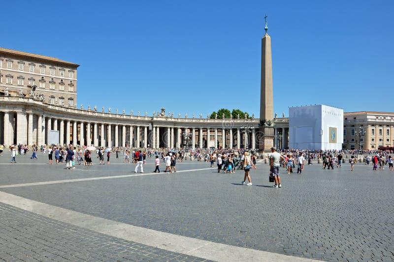 大教堂彼得方形st梵蒂冈 免版税库存照片
