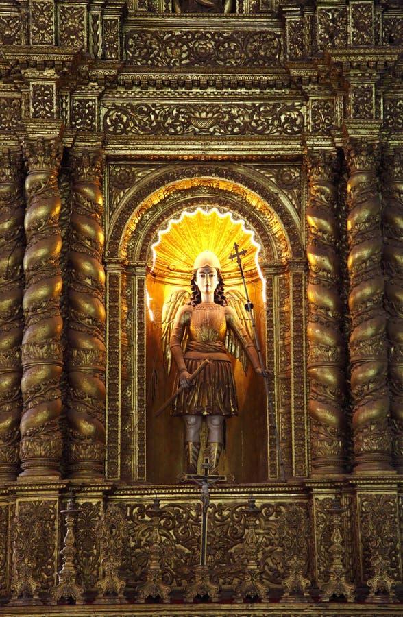 大教堂教会拿着圣法兰西斯临死遗骸  免版税库存照片
