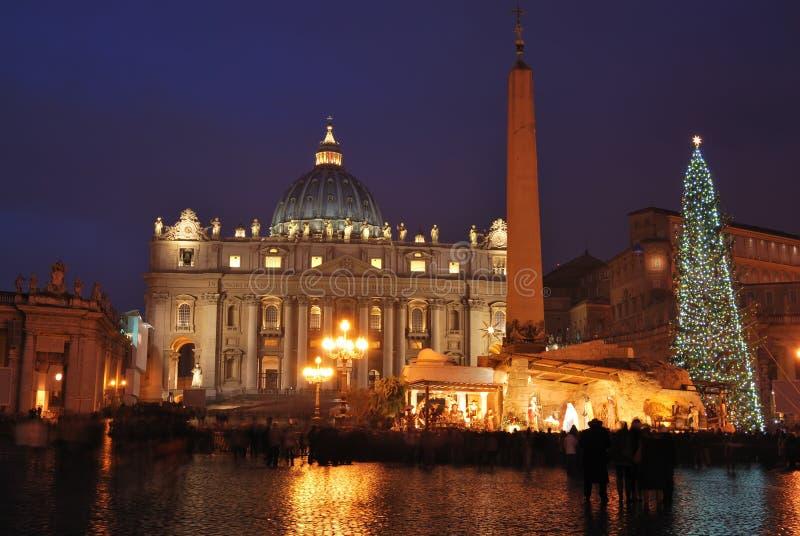 大教堂晚上peters罗马圣徒 免版税库存图片