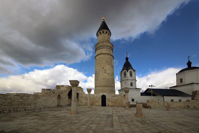 大教堂清真寺的废墟的看法 免版税库存图片