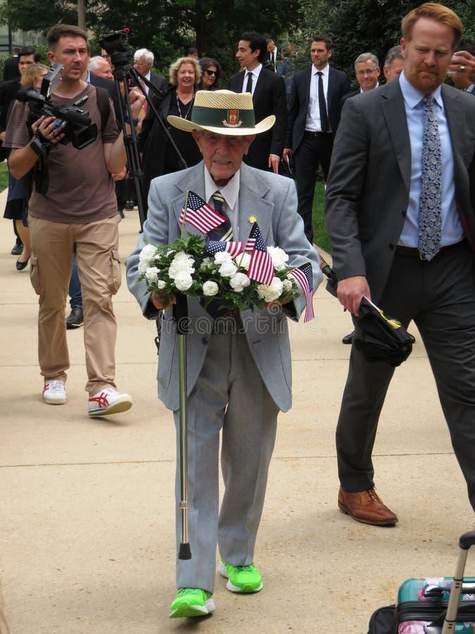 大教堂的战争英雄在葬礼以后 免版税库存照片