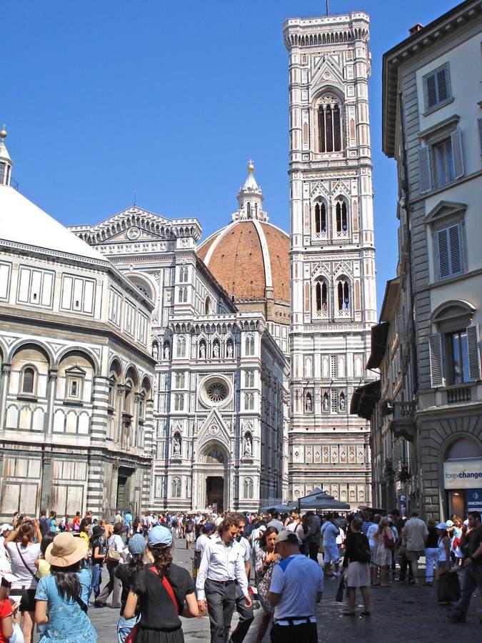 大教堂的看法广场的del Duomo在佛罗伦萨在意大利 免版税图库摄影