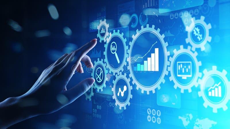 大数据分析,商业运作与齿轮的逻辑分析方法在虚屏上的图和象 免版税库存照片