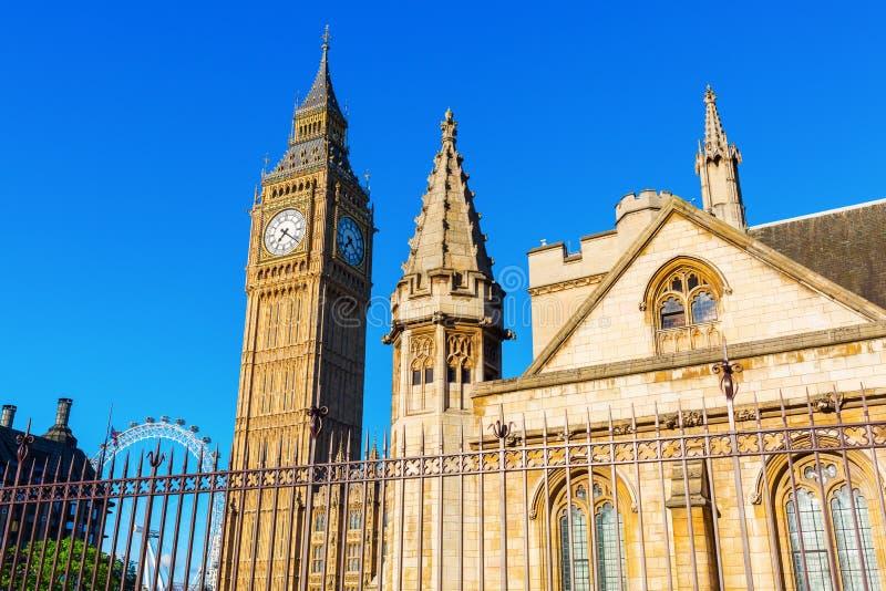 大本钟和威斯敏斯特宫殿在伦敦,英国 库存照片
