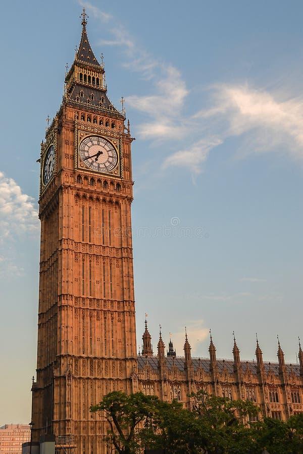 大本钟和议会大厦看法在日落 团结的Ki 图库摄影