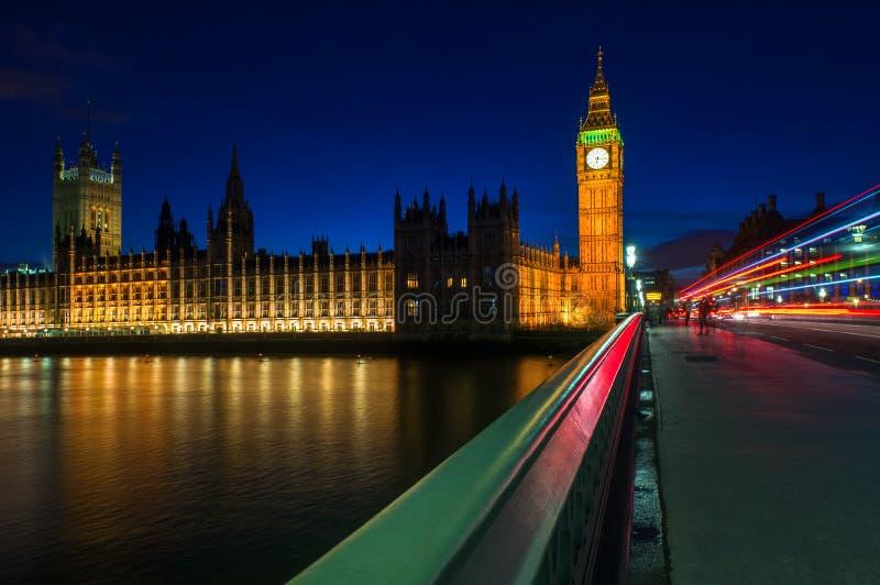 大本钟和议会的议院在伦敦,英国 库存照片
