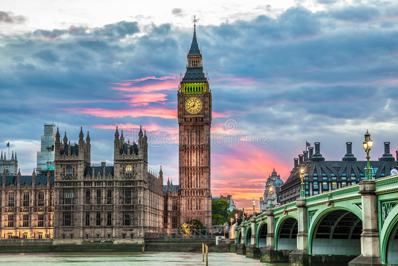 大本钟尖沙咀钟楼和议会房子在威斯敏斯特 免版税库存图片