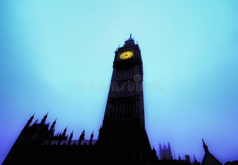 大本钟指向蓝色早晨天空 图库摄影