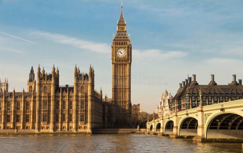 大本钟钟楼在伦敦,英国 库存照片