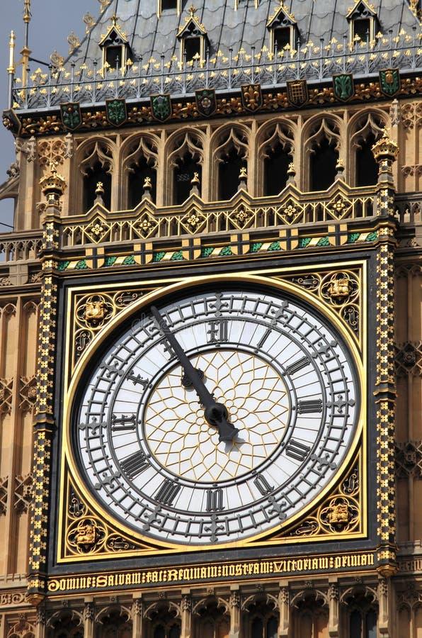 大本钟钟楼的特写镜头 库存照片