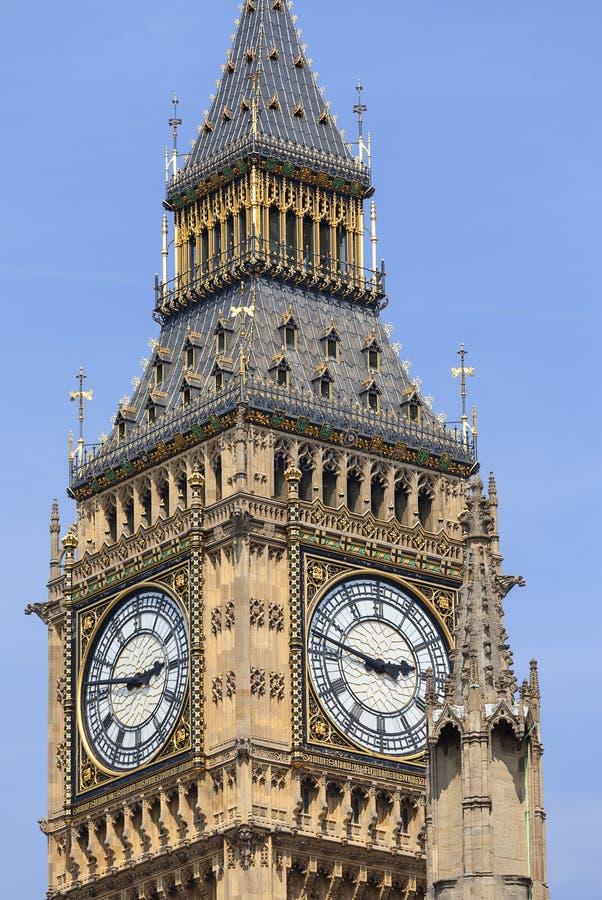 大本钟,威斯敏斯特宫,伦敦,英国的钟楼 免版税库存照片