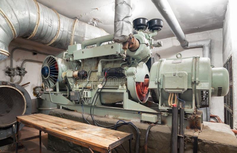 大柴油发电器 免版税库存照片