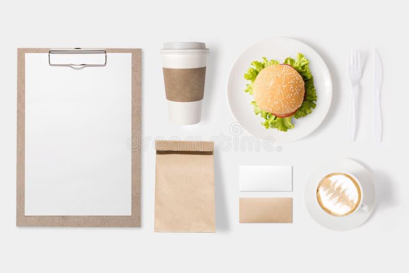 大模型汉堡集合和咖啡杯集合的设计观念 库存照片
