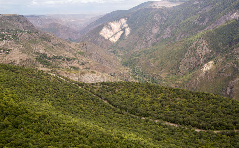 大横向山山 风景在亚美尼亚(Tatev) 库存图片