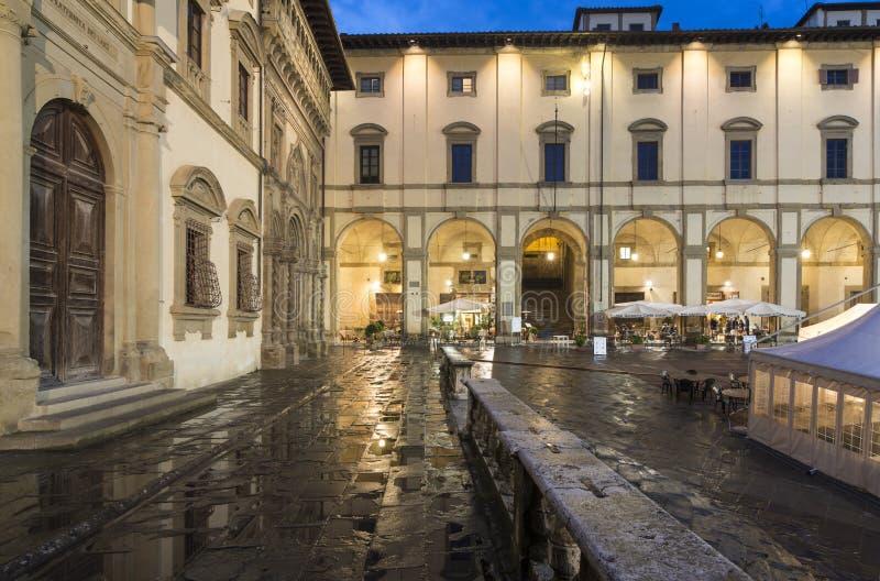 大正方形或vasari在晚上阿雷佐托斯卡纳意大利欧洲 库存照片