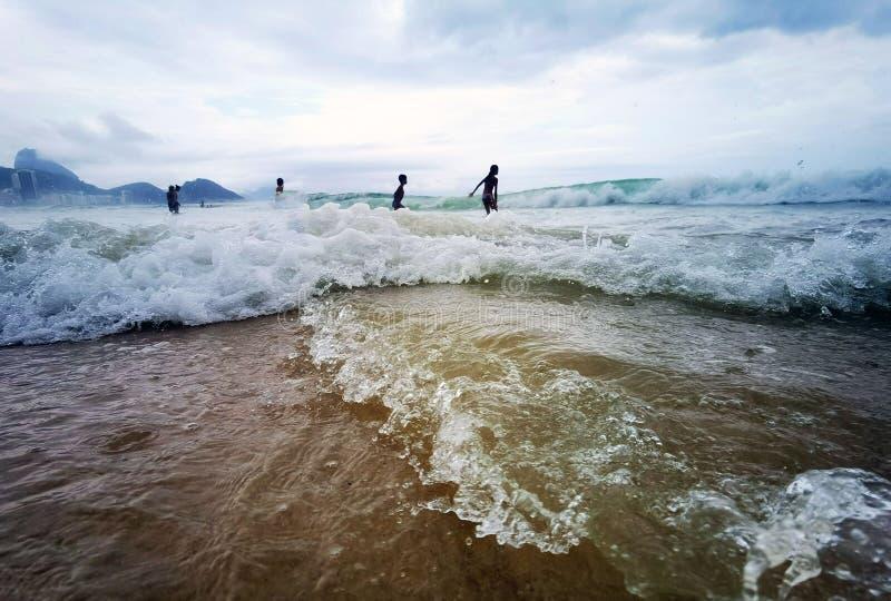 大浪的科帕卡巴纳海滩 库存图片