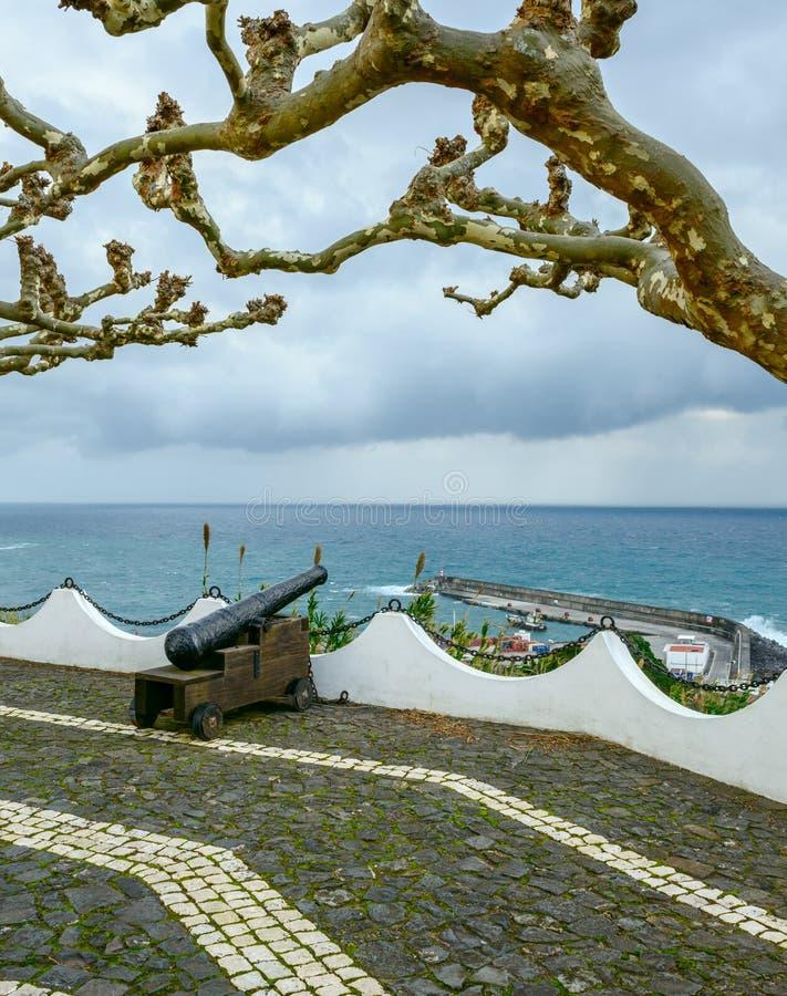 大炮在拉日什das弗洛勒斯,亚速尔群岛群岛(葡萄牙) 库存图片