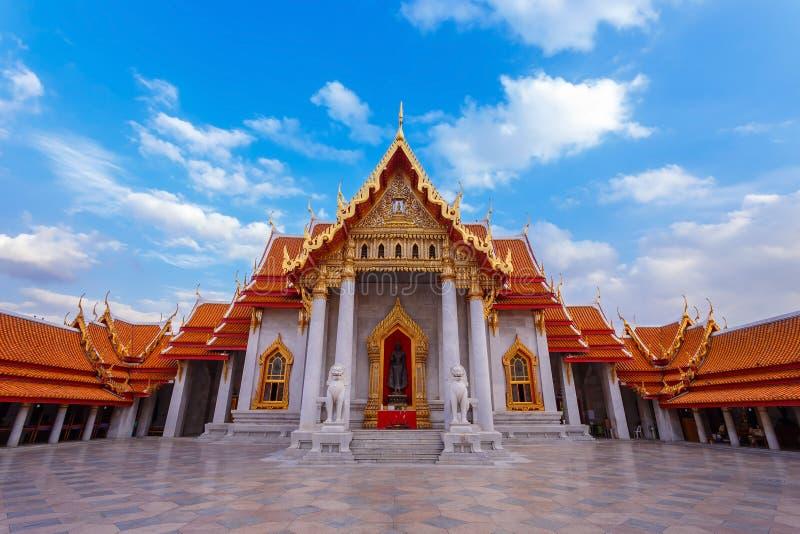 大理石寺庙, Wat Benchamabopit Dusitvanaram在曼谷 免版税库存照片