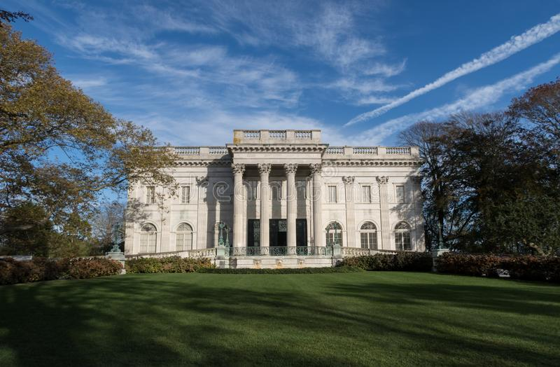 大理石议院的外视图在纽波特,RI 免版税库存照片