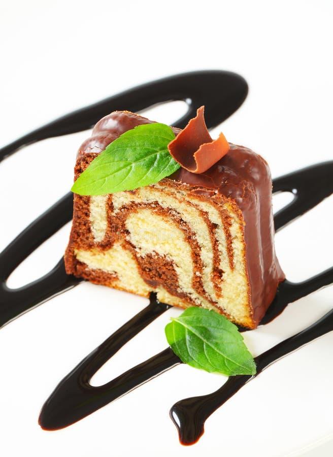 大理石重糖重油蛋糕 免版税库存照片