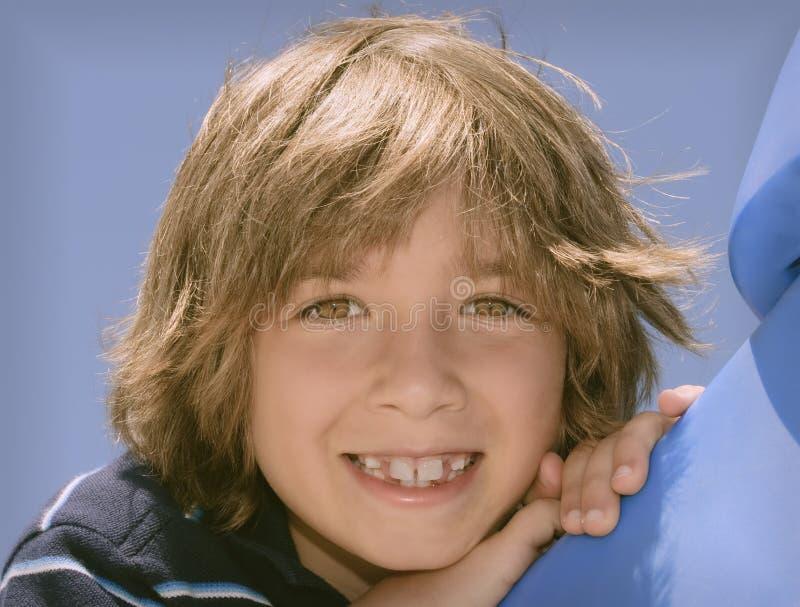 大男孩微笑 图库摄影