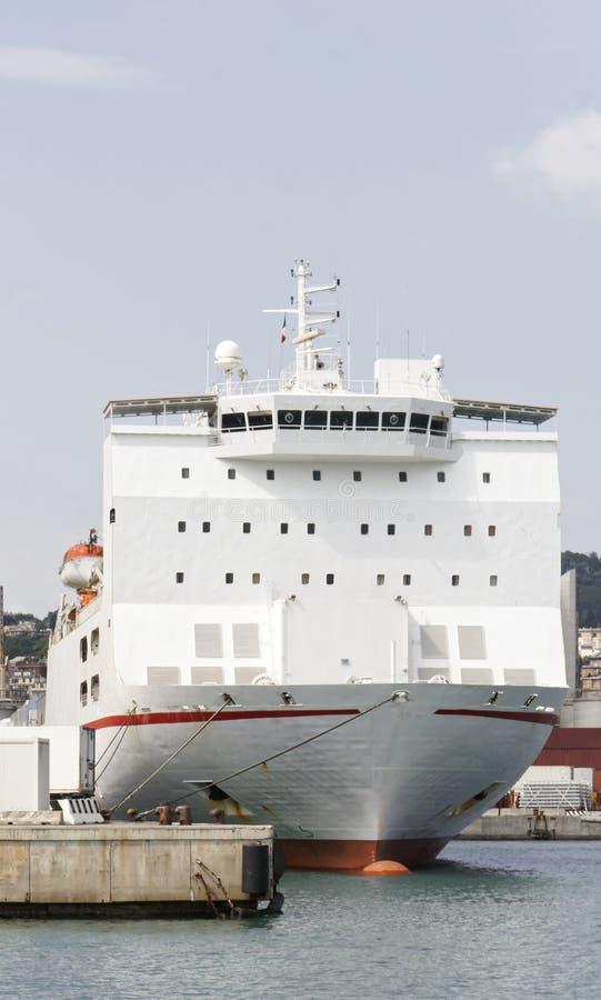 大白色收帆水手船细节  免版税库存照片