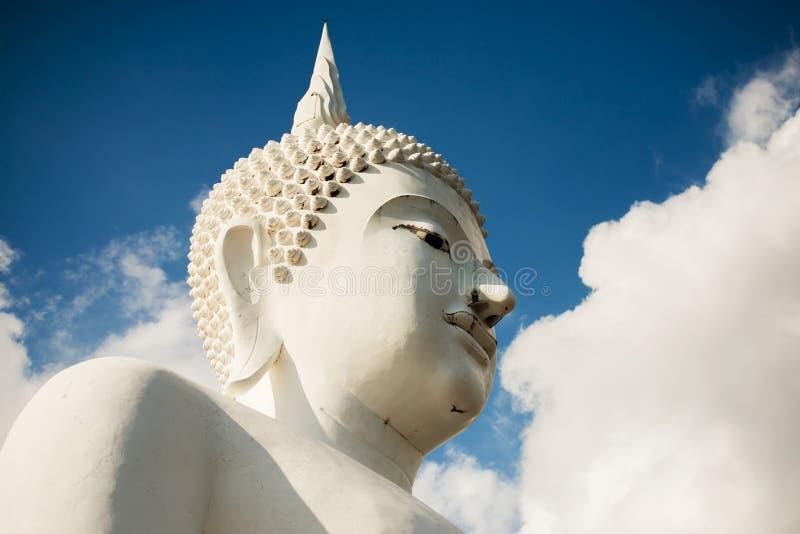大白色菩萨雕象,泰国 免版税库存图片