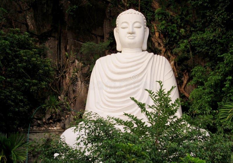 大白色菩萨雕象 免版税图库摄影
