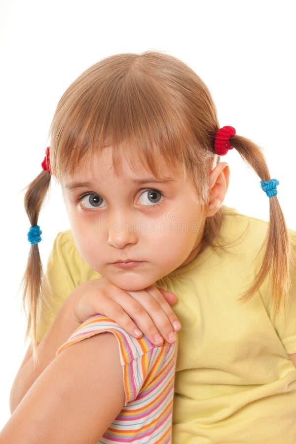 大眼睛女孩哀伤的一点 免版税库存图片