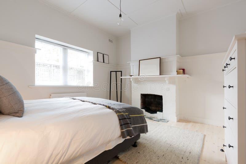 大老牌更新了在丹麦称呼的公寓 免版税库存图片