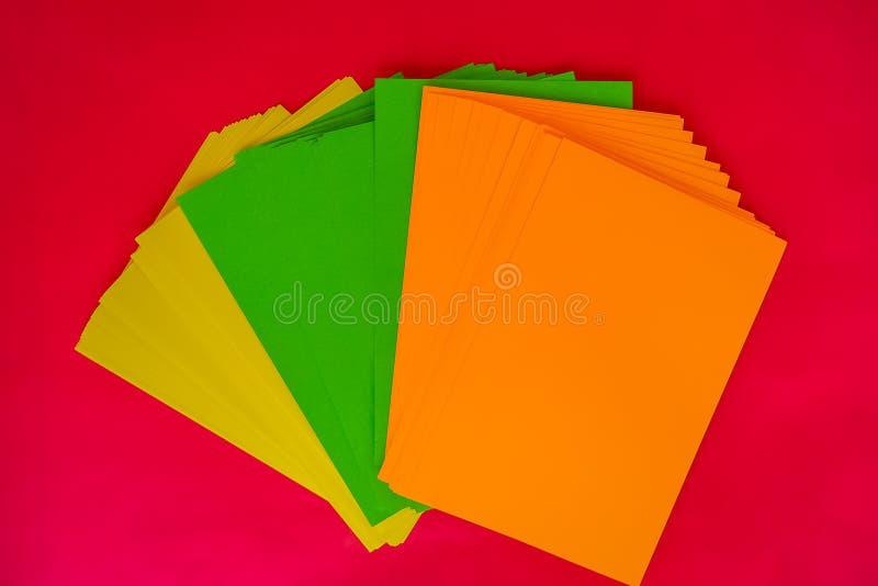 大胆的颜色空白索引卡片 库存照片