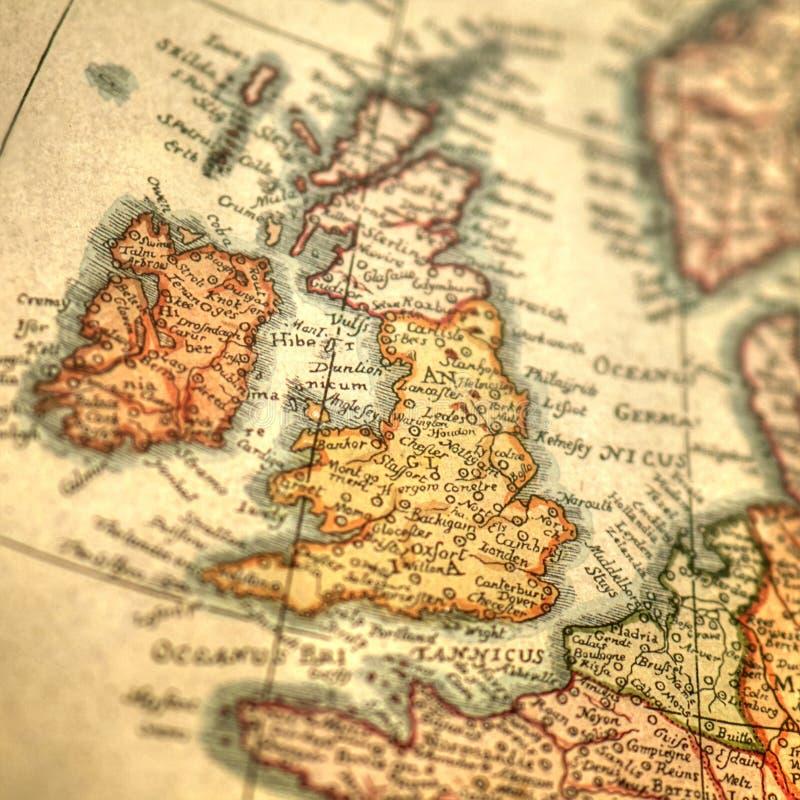 大英国和爱尔兰海岛葡萄酒手拉的地图  免版税库存照片