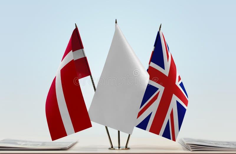大英国的丹麦和英国的旗子 图库摄影