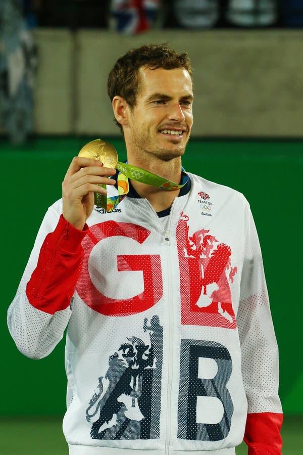 大英国的奥林匹克冠军安迪・穆雷在网球人` s期间的选拔里约2016年奥运会的奖牌仪式 免版税库存图片