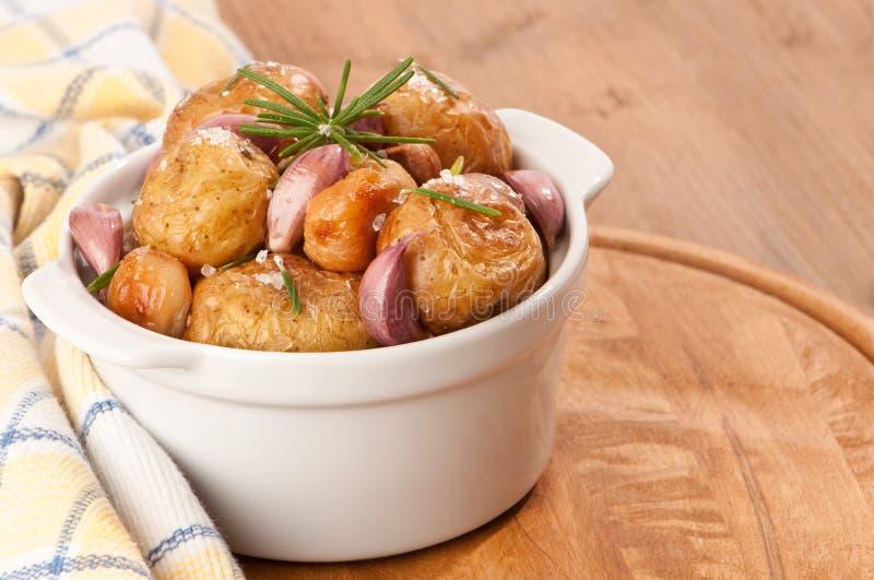 大蒜土豆迷迭香 图库摄影
