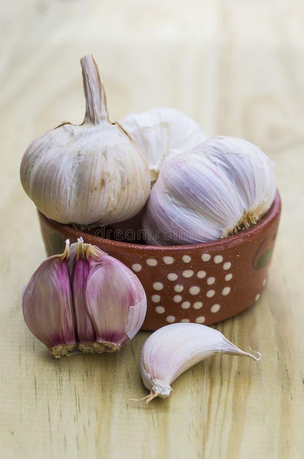 Download 大蒜 库存照片. 图片 包括有 大蒜, 健康, 原始, 对象, 背包, 查出, 营养, 荷兰芹, 成熟, 具有加香的品质 - 30332856