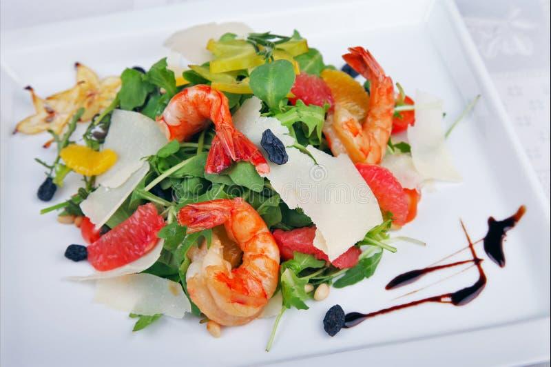 Download 大虾和蔬菜沙拉 库存图片. 图片 包括有 午餐, 膳食, 大虾, 莴苣, 饮食, 新鲜, 甲壳动物, 美食 - 62539163
