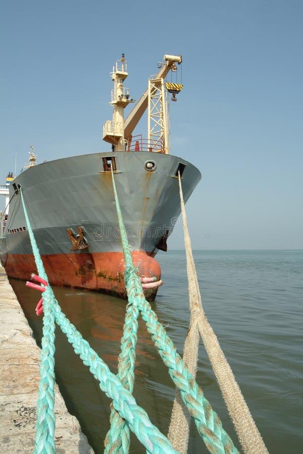 大被停泊的端口船 免版税库存照片