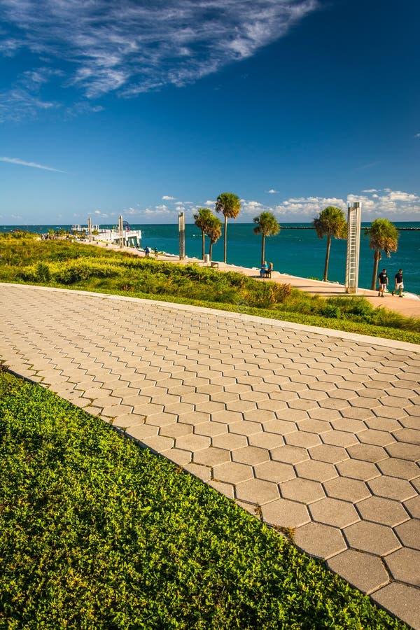 大西洋的走道和看法南Pointe的在M停放 免版税库存图片