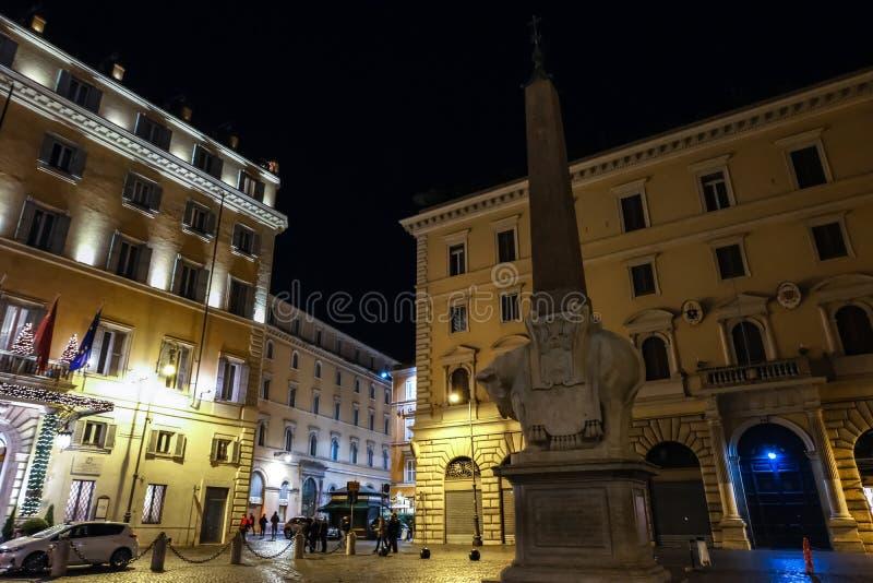 大象和方尖碑雕塑广场della的智慧女神贝尔尼尼 免版税库存照片