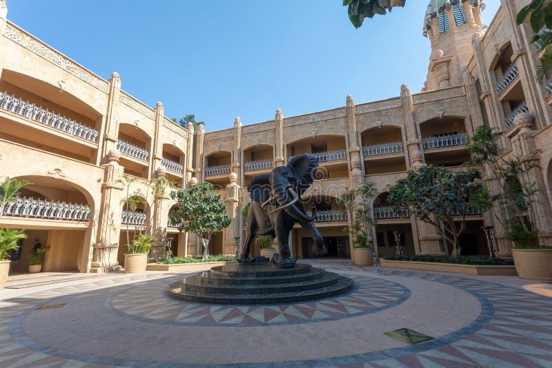 大象在太阳城,失去的城市在南非 免版税库存图片