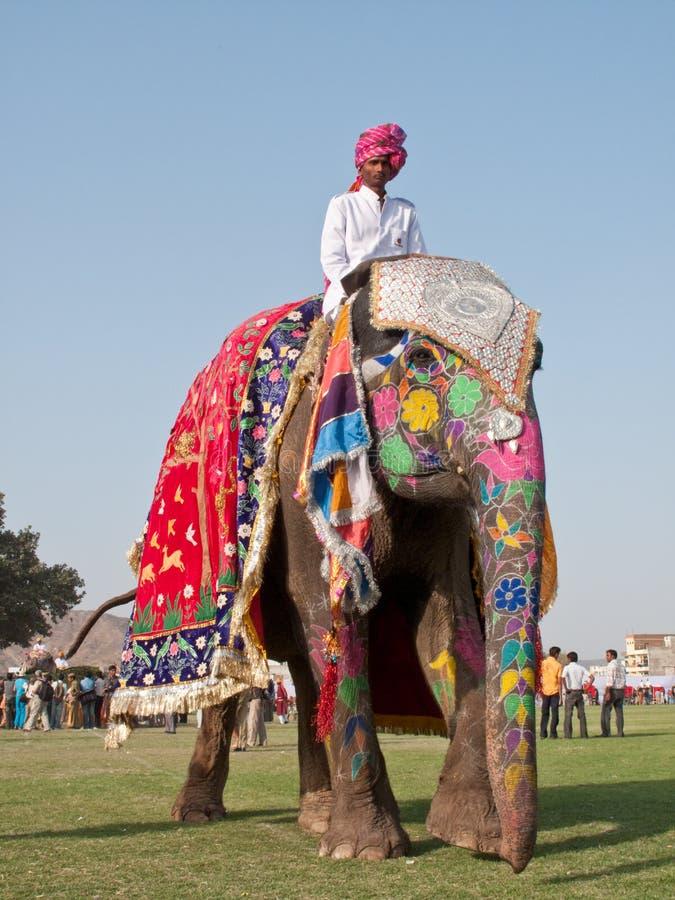 大象被绘的游行 免版税库存图片