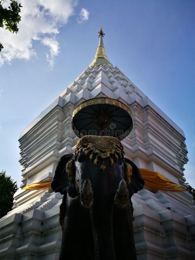 大象雕象 免版税库存图片