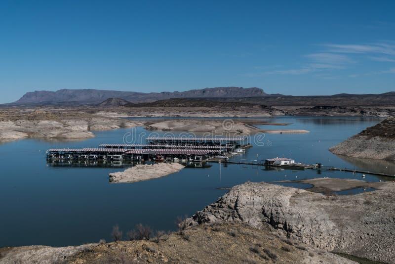 大象Butte湖小游艇船坞,新墨西哥 免版税库存照片