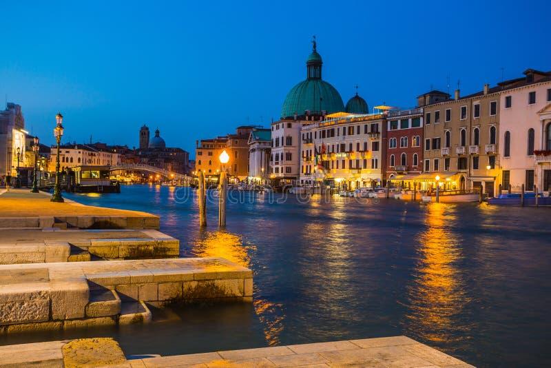 大运河在威尼斯在晚上 免版税图库摄影