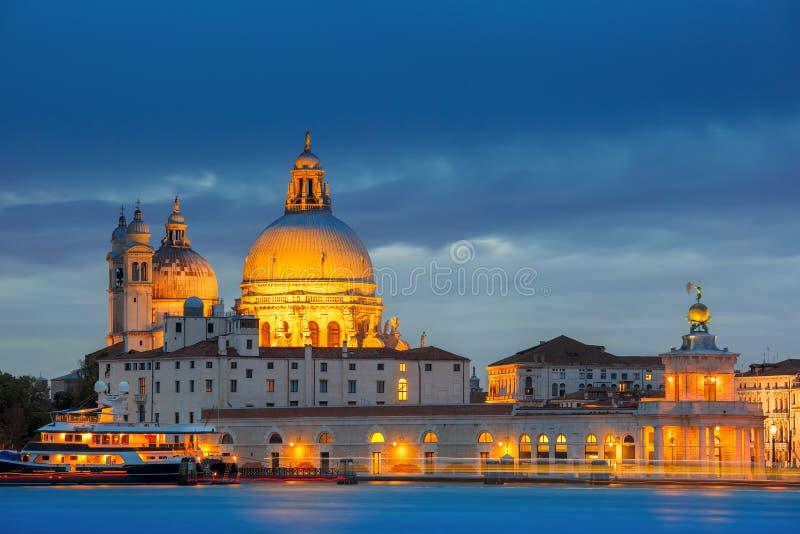大运河在晚上在威尼斯,意大利 免版税库存照片