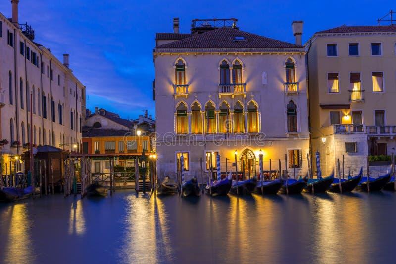 大运河夜视图在威尼斯 免版税图库摄影