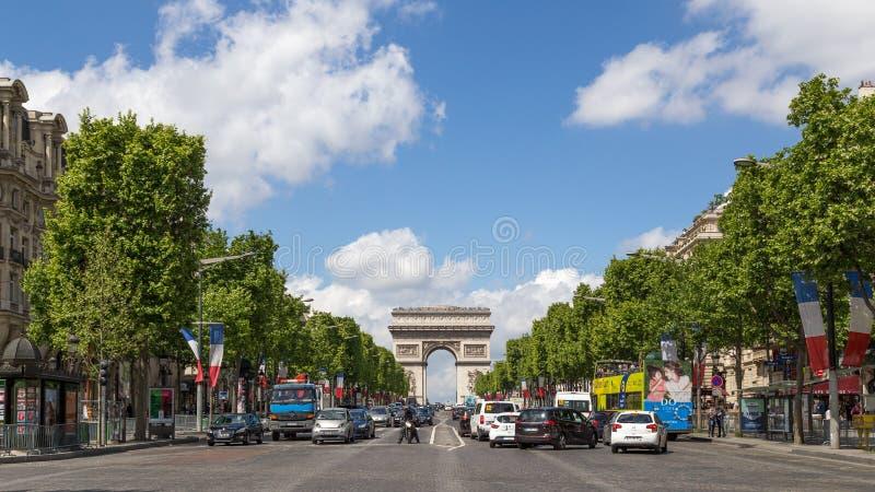 大道des香榭丽舍大街在巴黎 免版税图库摄影