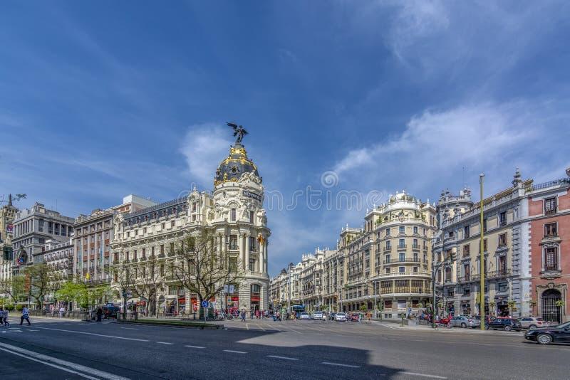 美好的建筑学-大教堂阿尔穆德纳,马德里,西班牙. 圆顶, 纪念碑.